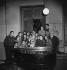 Olivier Messiaen, compositeur français, avec Yvonne Loriod, pianiste française, à droite et, au-dessus de lui, Karlheinz Stockhausen, compositeur allemand, mars 1952. © Boris Lipnitzki/Studio Lipnitzki/Roger-Viollet