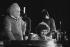 Léo Ferré (1916-1993), auteur-compositeur-interprète et Robert Charlebois (né en 1944), chanteurs français et québécois. Lille (Nord), 1972. © Geneviève Van Haecke / Roger-Viollet