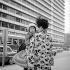 Mère japonaise et son bébé. Kobé (Japon), mars 1962. © Roger-Viollet