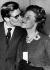 Yves Saint Laurent (1936-2008), couturier français, et sa mère, après la présentation de sa première collection. Paris, 27 janvier 1960. © Ullstein Bild / Roger-Viollet