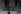Enfant passant devant le palais de la Moneda, deux jours après le coup d'état dirigé par Augusto Pinochet contre le gouvernement socialiste de Salvador Allende. Santiago (Chili), 13 septembre 1973. © Felipe Orrego / TopFoto / Roger-Viollet