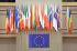 Drapeaux des membres de l'Union Européenne sur la façade du Parlement Européen. Strasbourg (Bas-Rhin), 16 mai 2006. © Ullstein Bild/Roger-Viollet