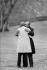 Jimmy Carter (né en 1924), homme d'Etat américain, accueillant Anouar El-Sadate (1918-1991), homme d'Etat égyptien, à l'occasion de négociations pour le traité de paix au Moyen-Orient qui conduiront aux accords de Camp David, 1978. Photo : Mark Godfrey. © Mark Godfrey / The Image Works / Roger-Viollet