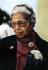 Rosa Parks (1913-2005), couturière américaine, arrêtée en 1955 pour avoir refusé de céder sa place à une homme blanc dans un bus de Montgomery (Alabama). Atlanta (Géorgie, Etats-Unis), 1991. Photo : Michael Schwarz. © The Image Works/Roger-Viollet