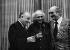 Bruno Coquatrix (1910-1979), directeur général de l'Olympia, Léo Ferré (1916-1993), auteur-compositeur-interprète et Eddie Barclay (1921-1905), pianiste de jazz, à l'Olympia. Paris, 1972. © Geneviève Van Haecke / Roger-Viollet