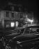 Montmartre, place du Tertre, mairie du vieux Montmartre, la nuit. Paris (XVIIIème arr.), 1948. Photographie de René Giton dit René-Jacques (1908-2003). Bibliothèque historique de la Ville de Paris. © René-Jacques / BHVP / Roger-Viollet