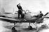 Iouri Gagarine (1934-1968), cosmonaute soviétique, avec son premier avion.  © Ullstein Bild/Roger-Viollet