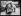 Guerre 1914-1918. Les travailleurs chinois dans les manufactures de guerre transportant des barres de 75, région de Lyon (Rhône), mi-septembre 1916. © Piston / Excelsior - L'Equipe / Roger-Viollet