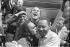 Marche pour les droits civiques. Le chanteur Harry Belafonte, Martin Luther King et Coretta King à l''aéroport de Washington. Washington D.C. (Etats-Unis), 28 août 1963. © 1963 Ivan Massar / Take Stock