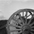 Line Renaud (née en 1928) pendant le tournage du film « La Madelon » de Jean Boyer. 1955. © Alain Adler / Roger-Viollet