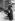 Guerre 1914-1918. Femme factrice distribuant le courrier. France. © Maurice-Louis Branger / Roger-Viollet