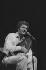 Joe Dassin (1938-1980), chanteur américain. Paris, Olympia, 1974.    © Patrick Ullmann / Roger-Viollet