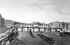 Vue du pont des Arts et du Pont-Neuf à Paris. Gravure de Dubois d'après Courvoisier. © Roger-Viollet