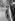 Sur la route. © Laure Albin Guillot / Roger-Viollet