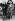 Marilyn Monroe (1926-1962), actrice américaine, et le sous-lieutenant Gardner H. Snow discutant des combats de la guerre de Corée sur l'aile d'un avion Thunderjet de l'armée de l'air américaine. Corée, début des années 1950.  © TopFoto / Roger-Viollet