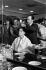 Valentina Terechkova (née en 1937), première femme cosmonaute soviétique, dans un salon de coiffure lors d'un voyage à Cuba, 1963. © Gilberto Ante / Roger-Viollet