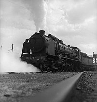 Locomotive type Pacific 231 of the SNCF, French railway company. France, 1947. © Roger Berson / Roger-Viollet