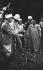Ouvriers agricoles nord-africains et officier français. France, vers 1939. © LAPI / Roger-Viollet