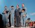 Richard Nixon (1913-1994), homme d'Etat américain, et l'équipage de la mission Apollo 13 saluant le drapeau américain lors de la cérémonie qui a eu lieu au retour de la mission. Hickam Air Force Base (Hawaï). © TopFoto/Roger-Viollet