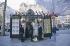 Paris. Avenue des Champs-Elysées. Kiosque à journaux. Décembre 1999.  © Roger-Viollet