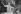 La princesse Sophie de Grèce (née en 1938) et son fiancé le prince Juan Carlos (né en 1938), héritier du trône d'Espagne, saluant la foule, 16 septembre 1961. © TopFoto/Roger-Viollet