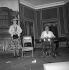 """""""Le Bon numéro"""" d'Eduardo de Filippo. Jacques Fabbri et Arlette Gilbert. Paris, théâtre du Palais-Royal. Avril 1958. © Studio Lipnitzki/Roger-Viollet"""