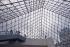 Musée du Louvre, sous la pyramide. Paris, juin 2008. © Jean-Pierre Couderc / Roger-Viollet