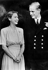 La princesse Elisabeth, future Elisabeth II et son fiancé Philip Mountbatten, futur Philip d'Edimbourg. 1946. © Alinari / Roger-Viollet