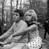"""Dragées au poivre"", film de Jacques Baratier. Guy Bedos et Sophie Daumier. France, 1963. © Alain Adler / Roger-Viollet"
