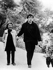 Edith Piaf (1915-1963), chanteuse française, avec son mari Theo Sarapo, peu avant sa mort. 1963.   © Ullstein Bild/Roger-Viollet