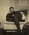 Fidel Castro (1926-2016), homme d'Etat et révolutionnaire cubain, lisant. Cuba, 1965. © Imagno / Roger-Viollet