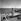 Sur la promenade des Anglais. Nice (Alpes-Maritimes), juillet 1957. © Roger-Viollet