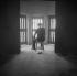 Salle d'attente de prison. © Gaston Paris / Roger-Viollet