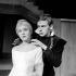 """""""Hamlet"""", pièce de William Shakespeare. Jean-Louis Trintignant et Catherine de Seynes. Paris, théâtre des Champs-Elysées, janvier 1960. © Studio Lipnitzki / Roger-Viollet"""