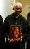"""Nelson Mandela (1918-2013), ancien président sud-africain et prisonnier politique sous l'ancien régime de l'apartheid, à la sortie de son livre intitulé """"46664 : the Concert"""" au profit de la lutte contre le sida. Londres (Angleterre), le 25 novembre 2004. © TopFoto / Roger-Viollet"""