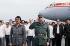 Fidel Castro (1926-2016), homme d'Etat et révolutionnaire cubain, et Daniel Ortega (né en 1945), président du Nicaragua à l'aéroport. La Havane (Cuba), juin 1988. © Françoise Demulder / Roger-Viollet