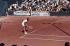 Björn Borg (né en 1956), joueur de tennis suédois, sur un court de Roland-Garros. Paris (XVIème arr.), juin 1974. Photographie de Gösta Wilander (1896-1982). Paris, musée Carnavalet. © Gösta Wilander/Musée Carnavalet/Roger-Viollet