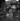 Guerre 1939-1945. Paris sous l'Occupation. Kiosque à journaux, place du Palais-Royal. Paris (Ier arr.). © Pierre Jahan/Roger-Viollet