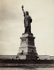 La Statue de la Liberté, sculpture de Frédéric Auguste Bartholdi (1834-1904). New York (Etats-Unis), vers 1890. © Alinari / Roger-Viollet