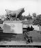 Un des boeufs sculptés par Isidore Jules Bonheur (1827-1901), au Champ de Mars. Exposition Universelle de Paris, 1878. Vue stéréoscopique. © Léon et Lévy/Roger-Viollet