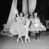 """""""Gaité Parisienne"""", ballet composé par Jacques Offenbach et chorégraphié par Léonide Massine. Rosella Hightower et Leonide Massine. Ballets Cuevas. Paris, avril 1958. © Boris Lipnitzki / Roger-Viollet"""