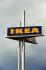 Enseigne d'un magasin Ikea. Burgwedel (Allemagne), 10 avril 2006. © TopFoto / Roger-Viollet