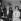 Charlie Chaplin (1889-1977), acteur et réalisateur de cinéma anglais, en compagnie de son épouse Oona (1925-1991).     © Jacques Cuinières/Roger-Viollet