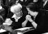 David Ben Gourion (1886-1973), homme politique israélin, parlant avec Golda Meir (1898-1978), femme politique israélienne. © TopFoto / Roger-Viollet