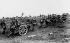 Guerre 1914-1918. Soldats allemands tirant un canon de campagne pendant la seconde bataille de la Marne, juillet 1918. © TopFoto/Roger-Viollet