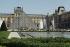 Musée du Louvre. La cour Napoléon avec la pyramide, 1995. Architecte : Ieoh Ming Pei. © Jean-Pierre Couderc / Roger-Viollet
