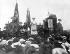 Rosa Luxemburg (1870-1919), révolutionnaire marxiste allemande, lors d'une conférence socialiste. Stuttgart (Allemagne), 18 août 1907. © Ullstein Bild / Roger-Viollet