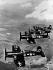 """Guerre de Corée (1950-1953). Escadrille de chasseurs américains F4U """"Corsair"""". © Roger-Viollet"""