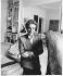 Françoise Giroud (1916-2003), journaliste, écrivain et femme politique française, chez elle. Paris, 1988. © Bruno de Monès/Roger-Viollet