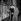 William Holden (1918-1981), acteur et chanteur américain, et son épouse. Paris, années 1950. © Roger-Viollet